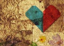 Corazón y fondo de las flores fotografía de archivo libre de regalías