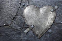 Corazón galvanizado del metal Imagenes de archivo