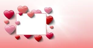 Corazones burbujeantes de las tarjetas del día de San Valentín con la caja vacía Fotografía de archivo