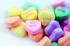 Corazones coloridos del caramelo Foto de archivo libre de regalías