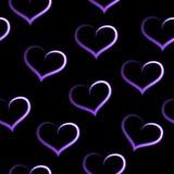 Corazones de descoloramiento blancos púrpuras, modelo inconsútil del amor, fondo negro fotografía de archivo