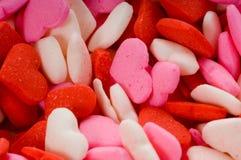 Corazones de la tarjeta del día de San Valentín del caramelo - primer Imagen de archivo libre de regalías