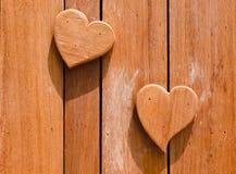 Corazones de madera formados Foto de archivo libre de regalías