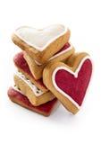 Corazones del jengibre para el día de tarjetas del día de San Valentín. Fotografía de archivo libre de regalías