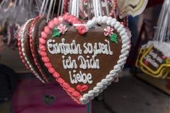 Corazones del pan de jengibre en Theresienwiese en Munich, Alemania, 2015 Imagenes de archivo