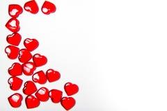 Corazones del rojo del ` s de la tarjeta del día de San Valentín Imágenes de archivo libres de regalías