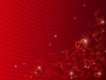 Corazones dispersados en fondo rojo Fotografía de archivo