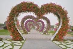 Corazones en el jardín del milagro en Dubai Foto de archivo