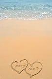 Corazones en la playa fotos de archivo libres de regalías