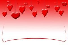 Corazones rojos del día de tarjeta del día de San Valentín de la ejecución en un fondo rojo de la pendiente Fotos de archivo libres de regalías
