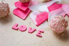 Corazones, tarjeta de felicitación del día de tarjetas del día de San Valentín Imagenes de archivo