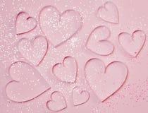 Corazones y chispas rosados en fondo rosado Concepto del saludo del ` s de la tarjeta del día de San Valentín del St, estilo romá Imágenes de archivo libres de regalías