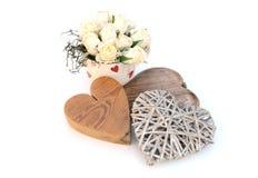 Corazones y flores de las tarjetas del día de San Valentín Imagen de archivo libre de regalías