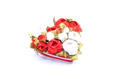 Corazones y flores a la tarjeta del día de San Valentín aislada en el ingenio blanco del fondo Foto de archivo