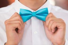 Corbata de lazo en un traje Fotos de archivo