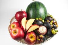 Corbeille de fruits Photos libres de droits
