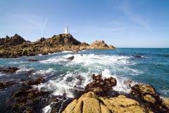 Corbiere灯塔在泽西,海峡群岛 库存照片