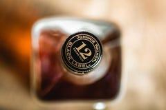 Corcho de la botella de Johnnie Walker Black Label en cierre-u de la botella de whisky imagen de archivo libre de regalías