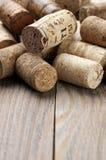 Corchos clasificados del vino fotografía de archivo