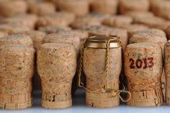 Corchos de Champán con la fecha 2013 Imágenes de archivo libres de regalías