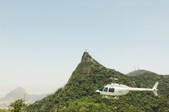 CORCOVADO,里约热内卢,巴西- 2009年11月:直升机fl 库存图片