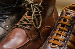 Cordón en los zapatos de cuero imagen de archivo libre de regalías