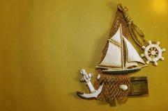 Corda d'annata e conchiglia dell'attrezzatura della barca a vela antica sulla fronte Immagine Stock Libera da Diritti