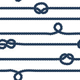 A corda da marinha e os nós marinhos listraram o teste padrão sem emenda em azul e em branco, vetor Foto de Stock Royalty Free