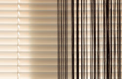 Corda dei ciechi e delle tende di beige Fotografie Stock Libere da Diritti