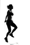 Corda di salto di posizione di forma fisica di allenamento della donna Fotografia Stock Libera da Diritti