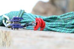 Corda e cames de escalada Imagens de Stock Royalty Free