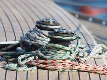 Corda em um barco de vela Imagens de Stock Royalty Free