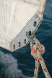 Corda legata alla vela Fotografie Stock