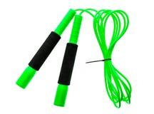 Corda o salto della corda di salto verde isolato su fondo bianco Immagini Stock Libere da Diritti