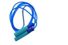 Corda o salto della corda di salto isolato su fondo bianco per l'oggetto dell'attrezzatura di forma fisica Immagine Stock Libera da Diritti