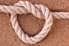 Corda sulla sabbia immagini stock