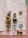 Corda sulla tavola degli stilisti Fotografia Stock Libera da Diritti