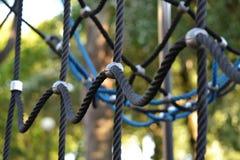 Cordas de escalada em um campo de jogos Fotografia de Stock Royalty Free