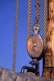 Cordas do mastro, polia Imagem de Stock Royalty Free