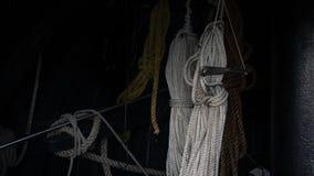 Cordas marinhas ancoradas fotos de stock royalty free