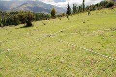 Cordas na terra sob a forma de uma estrela para o desenvolvimento de equipes fotografia de stock royalty free
