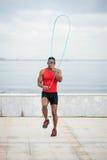 Corde à sauter d'homme de couleur photo libre de droits