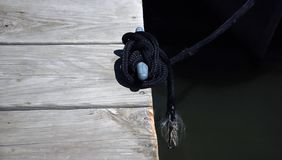 Corde attachée au dock Photos libres de droits