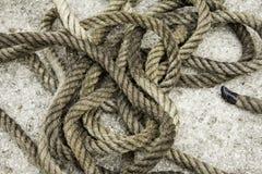 Corde avec des noeuds de fibre Images libres de droits