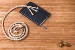 Corde de Coilled avec un carnet Images stock