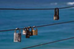 Corde de fer avec des cadenas Image stock