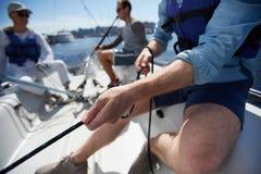 Corde de traction au yacht Photo stock