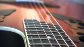 Corde della chitarra acustica archivi video