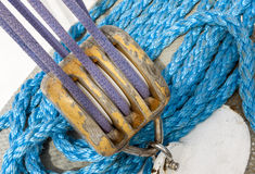 Corde ed attrezzatura marine della nave Fotografia Stock