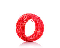 Corde en plastique rouge Projectile de studio d'isolement sur le blanc Photographie stock libre de droits